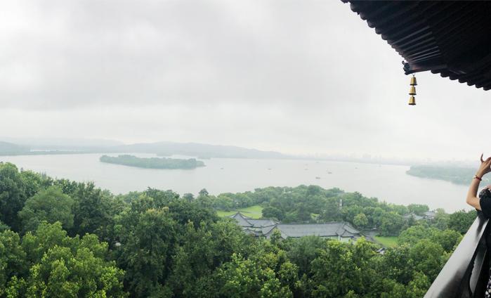 俯瞰美丽的杭州西湖