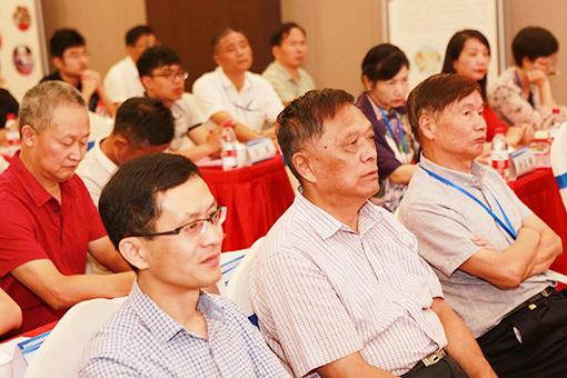 江苏地区故事沙龙代表朱闻麟、叶林生、徐凤清